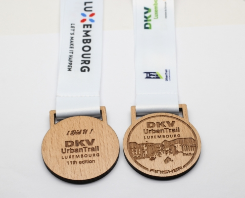 médailles en bois personnalisées